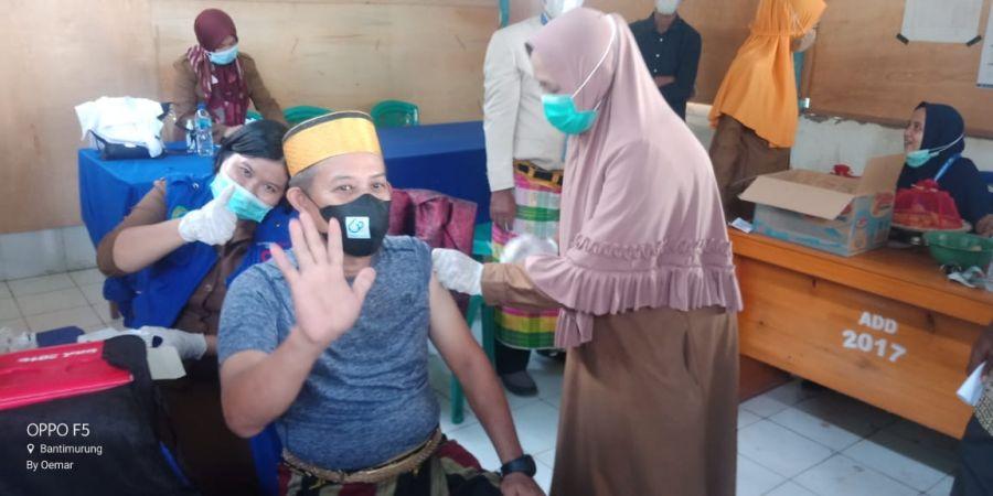 510 Warga Di Vaksin, Hadiah Desa Mattoangin Untuk Ultah Maros Ke 62 Tahun