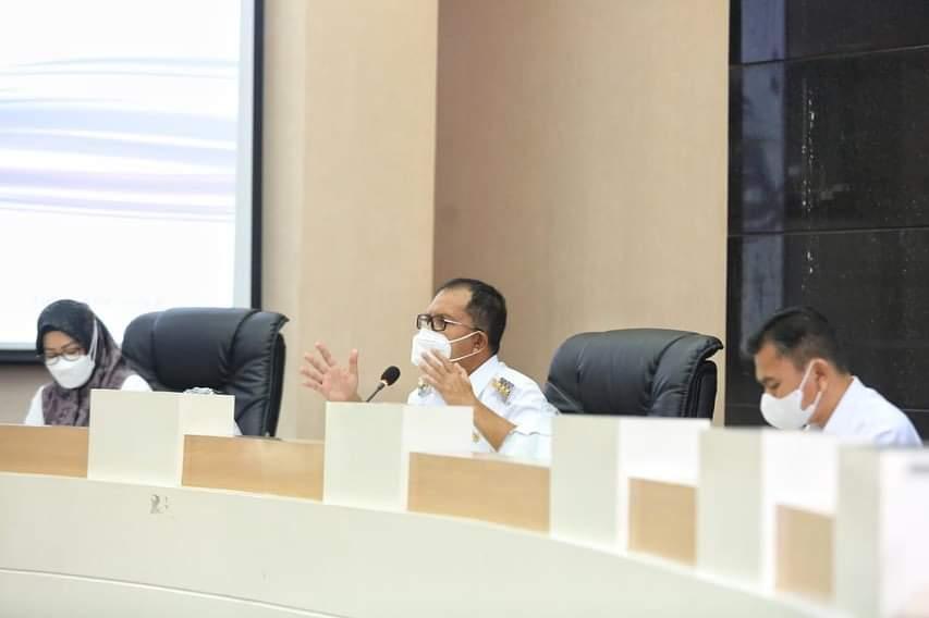 Danny Pomanto Pimpin Rapat Bahas Penanganan Covid-19