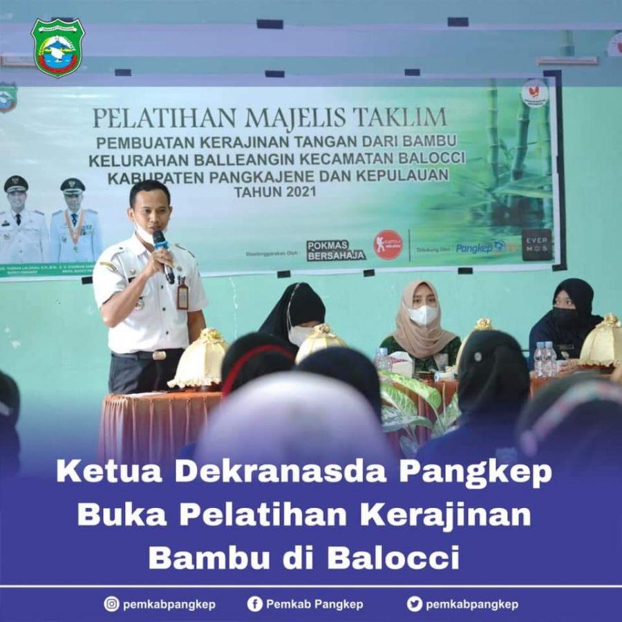 Ketua Dekranasda Pangkep Membuka Kegiatan Pelatihan Kerajinan Bambu