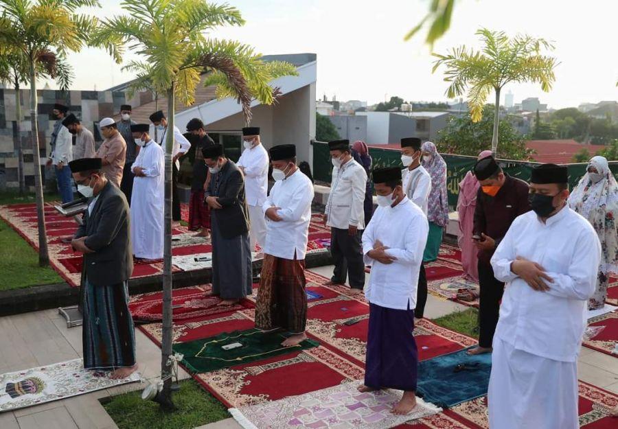 Wali Kota Makassar Sholat Idul Adha di Rumah