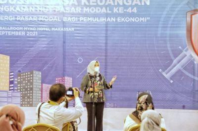 Fatmawati Rusdi Menghadiri Vaksinasi Industri Jasa Keuangan
