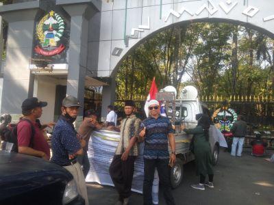 Mahasiswa dan LSM Demo di Depan Kantor Gubernur Sulsel, Mencari Keadilan Ganti Rugi Lahan