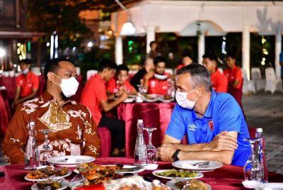 PLT Gubernur Sulsel Silaturahmi Bersama Official Dan Pemain PSM